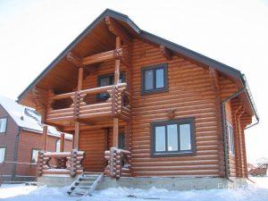 Okna-v-derevyannom-dome-39